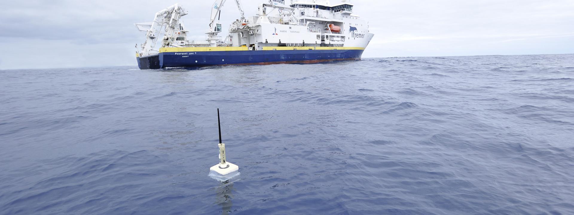 Arvor float at sea (2009 - Pourquoi Pas ? Vessel)