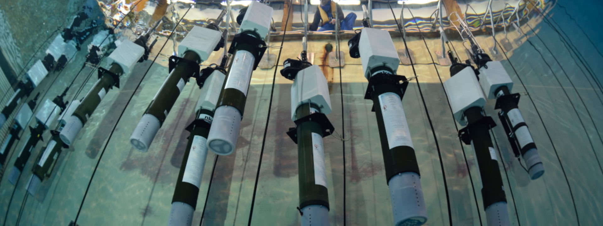 Floats tested in Ifremer tank